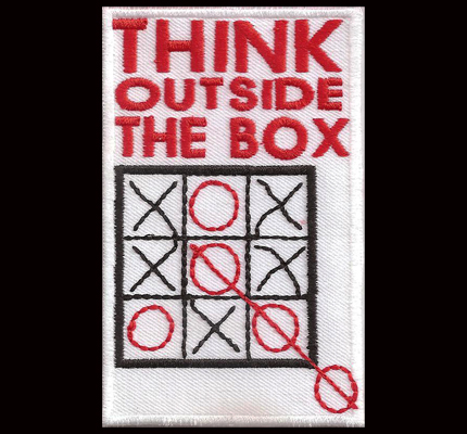 Think Outside the Box tic tac toe Spiel Motivation Crazy Spruch Aufnäher Patch